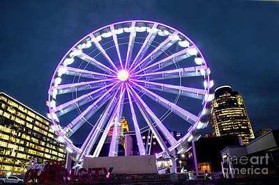 Photograph - Skystar Ferris Wheel by Ed Taylor