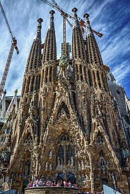 Photograph - The Expiatory Temple Of The Holy Family by Eduardo Jose Accorinti