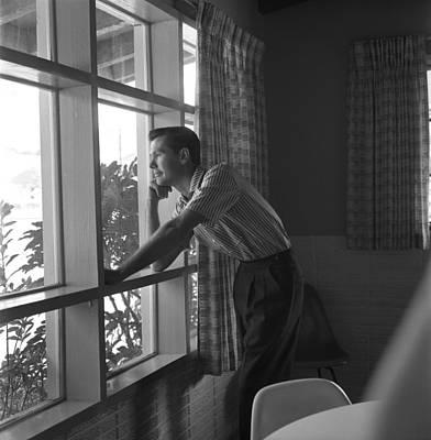 Johnny Carson Wall Art - Photograph - Johnny Carson by Michael Ochs Archives