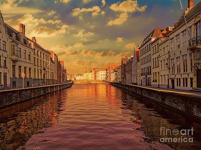 Photograph - 3 Nights In Brugge No 16 by Leigh Kemp