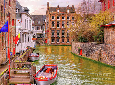 Photograph - 3 Nights In Brugge No 17 by Leigh Kemp