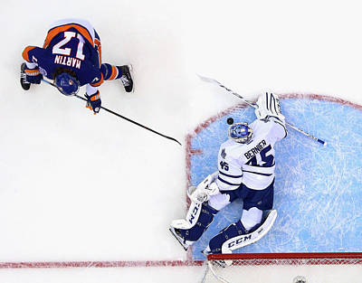 Photograph - Toronto Maple Leafs V New York Islanders by Bruce Bennett
