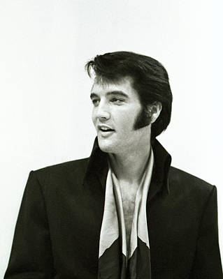 Photograph - Rock And Roll Musician Elvis Presley by Michael Ochs Archives