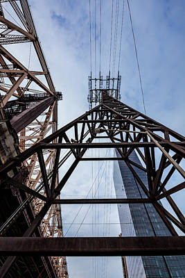 Photograph - 59th Street Bridge Roosevelt Island Tram And High Rise Building by Robert Ullmann