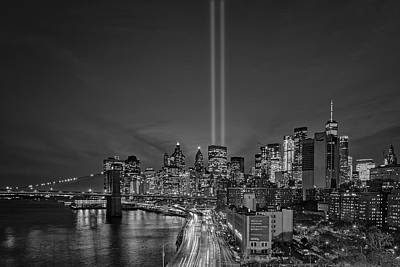 Photograph - 911 Tribute In Light In Nyc Bw by Susan Candelario