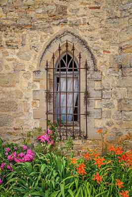 Photograph - A Gothic Window With Flowers by W Chris Fooshee