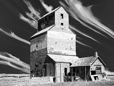 Photograph - Abandoned Grain Elevator by Dominic Piperata