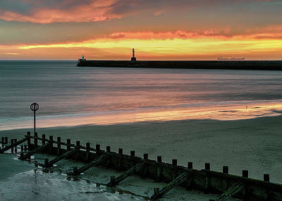 Photograph - Aberdeen Sunrise by Dave Bowman