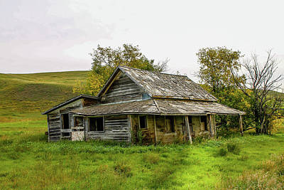Photograph - Abondened Old Farm Houese And Estates Dot The Prairie Landscape, by David Butler