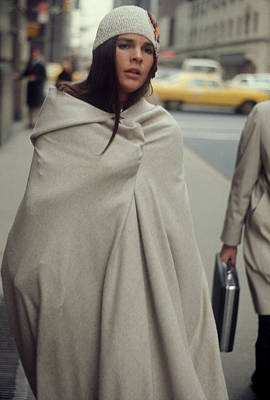 Photograph - Ali Macgraw by Art Zelin