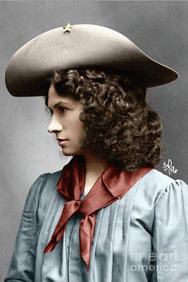 Photograph - Annie Oakley by Granger