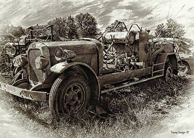 Photograph - Antique Firetruck V2 by Wesley Nesbitt