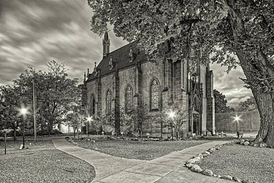 Photograph - Architectural Photograph Of Loretto Chapel In Downtown Santa Fe - The City Different - New Mexico by Silvio Ligutti