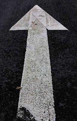 Photograph - Arrow On Asphalt by Robert Ullmann
