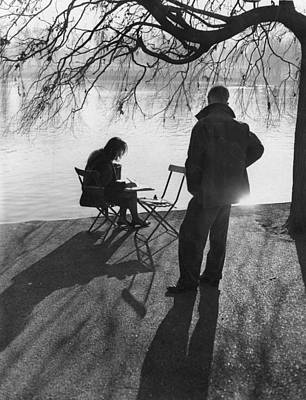 Hyde Park Wall Art - Photograph - Art At The Serpentine by Ron Case