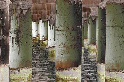 Photograph - Art Print Columns 10 by Harry Gruenert