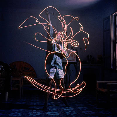Photograph - Artist Pablo Picasso Drawing An Image by Gjon Mili
