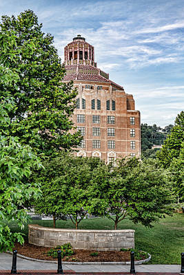 Photograph - Asheville City Hall by Sharon Popek