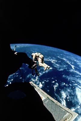Photograph - Astronaut Edward White Walking In by Nasa