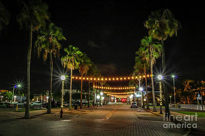 Photograph - Avenue A Westbound by Tom Claud