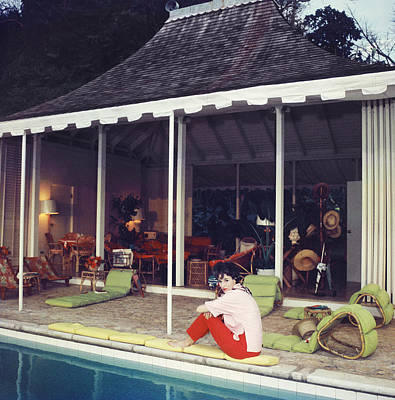Sitting Photograph - Babe Paley by Slim Aarons