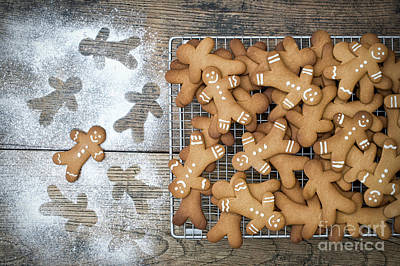 Photograph - Baked Gingerbread Men Biscuits by Tim Gainey