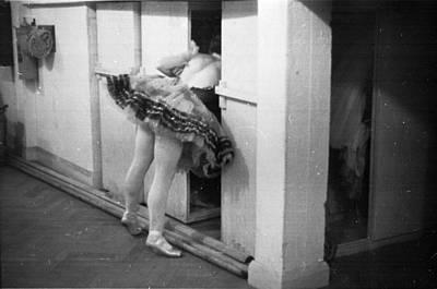 Photograph - Ballet Dancer by Felix Man