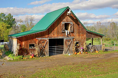 Photograph - Barn In Autumn by Angie Tirado