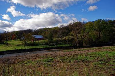 Photograph - Barn Near The Apple River by Peter Ponzio