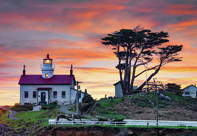 Photograph - Battery Point Sunset by Leland D Howard