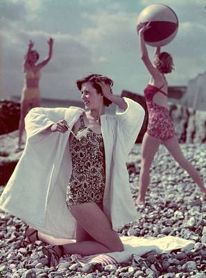Photograph - Beach Girls by Hulton Archive