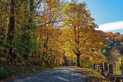 Photograph - Beautiful Autumn Road In Woodstock Vt Vermont by Toby McGuire