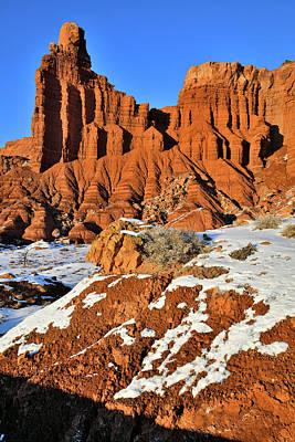 Photograph - Beautiful Chimney Rock In Capitol Reef Np by Ray Mathis