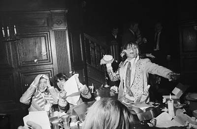 Photograph - Beggars Banquet by Larry Ellis