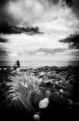 Photograph - Between Stones by Edgar Laureano
