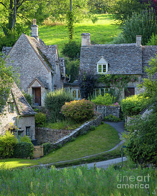 Photograph - Bibury Cottages by Brian Jannsen