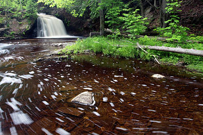Photograph - Big Falls 61702 by Rick Veldman