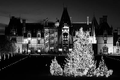 Photograph - Black And White Biltmore Christmas  by Carol Montoya