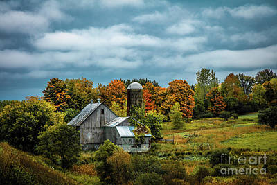 Photograph - Black River Valley Barn by Roger Monahan