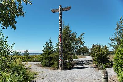 Photograph - Blaine Marine Park Totem by Tom Cochran