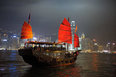 Chinese Junk Wall Art - Photograph - Boat In Hong Kong By Night by Jacus