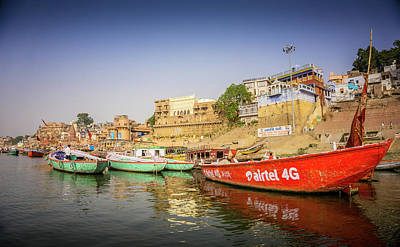 Photograph - Boats On The Ganges by Gary Gillette