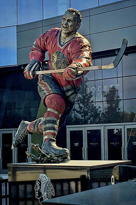 Photograph - Bobby Hull Sculpture In Perfect Rim Light  by Sven Brogren