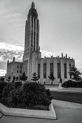 Photograph - Boston Avenue United Methodist Church - Tulsa Oklahoma - Black And White by Gregory Ballos