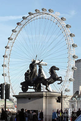 Photograph - Boudica Riding The Millennium Wheel by Terri Waters