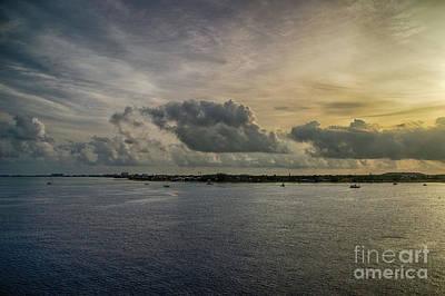 Photograph - Breaking Dawn Beauty by Judy Hall-Folde