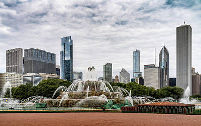 Photograph - Buckingham Fountain by Framing Places