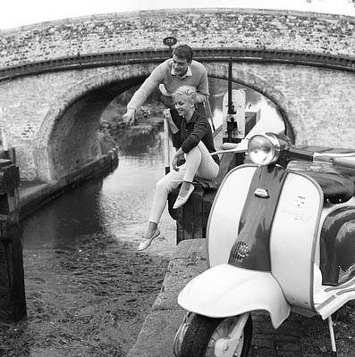Young Adult Photograph - By The Lock by Bert Hardy Advertising Archive