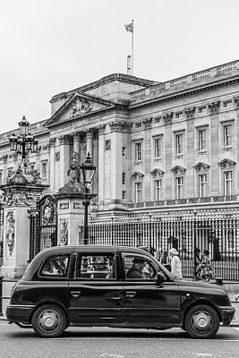 Photograph - Cab Outside Buckigham Palace  by John McGraw