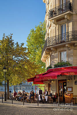 Photograph - Cafe - Ile Saint-louis - Paris by Brian Jannsen